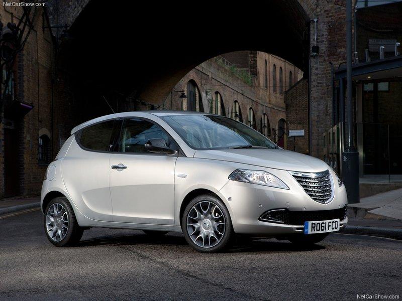 https://www.carblog.co.uk/wp-content/uploads/2012/05/Chrysler-Ypsilon-review.jpg